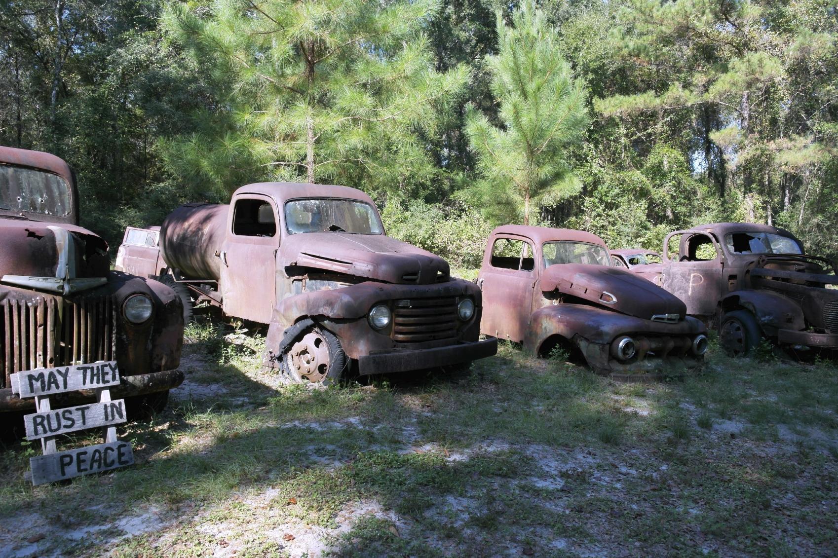 Junk Car Collectors – Detroit Wrecker Sales